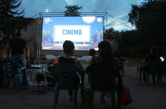 루마니아: 코로나 시대, '달빛 아래의 영화관' 인기