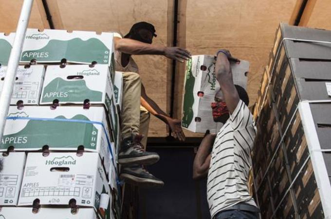 코로나19 속 잠비아 시장…마스크 착용 의무화