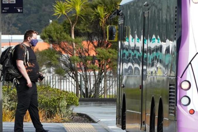 뉴질랜드, 코로나19 발발 후 첫 특정 공공장소 마스크 착용 의무화