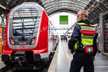 프랑크푸르트: 방역 속의 기차역