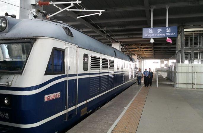 징슝 도시 간 철도 테스트…첫 동태 테스트 열차 출발