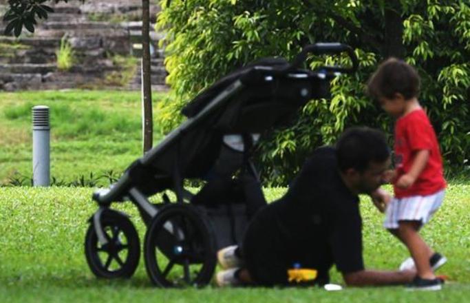 싱가포르: 로봇강아지로 방역 '순찰'